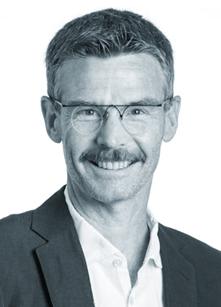 Ethiker und Theologe Thomas Gröbly, der für Sie Grabreden, Abdankungen, Beisetzungen und schöne Trauerfeiern veranstaltet